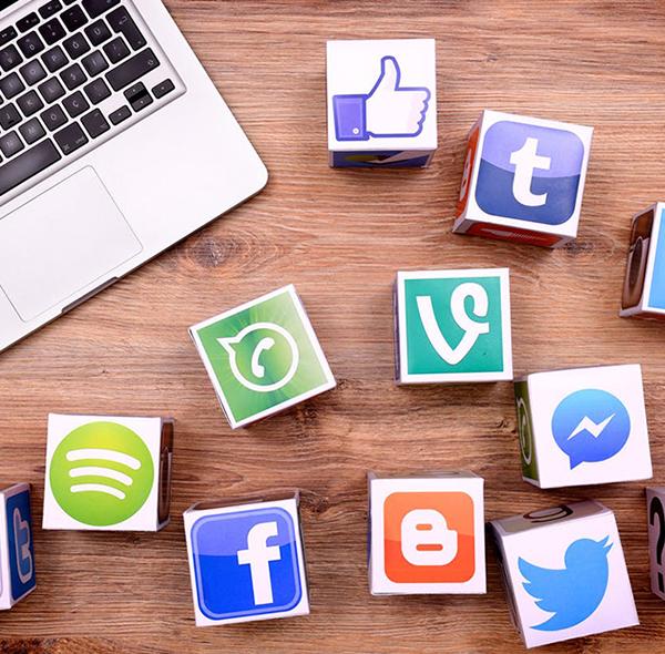 Sosyal Medya Kullanarak İngilizce Nasıl Geliştirilir